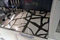 Piano in marmo con intarsio