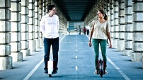 www.solowheel.eu-Solowheel-couple-ride-aqueduct-Paris