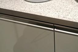 Gole con profilo metallico rigato