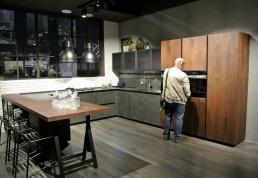 """Cucina """"garage"""", vintage (che ricorda molto la Diesel di Scavolini...)"""