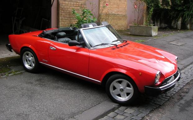 red-fiat-124-spider